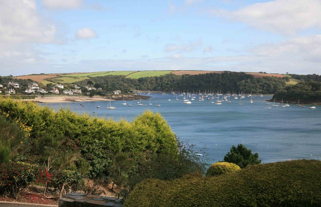 St Mawes Harbour - geograph.org.uk - 2111048