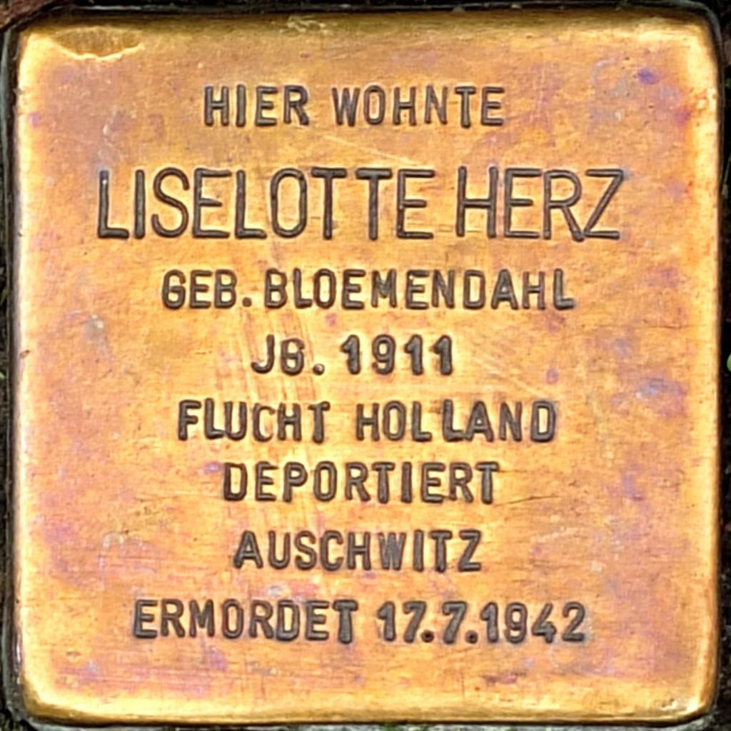 Stolperstein Liselotte Herz Hilden.jpg