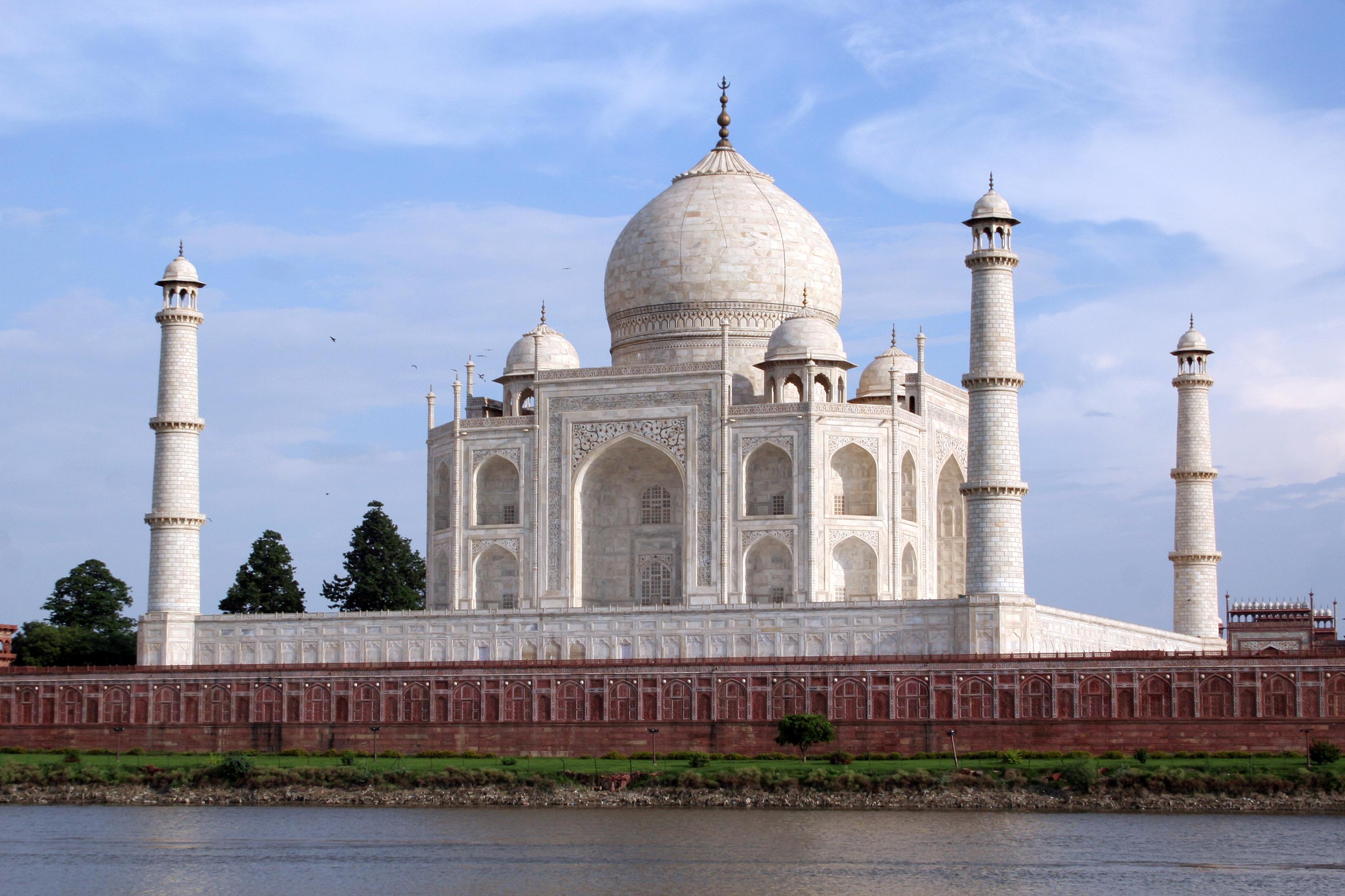 information on taj mahal in hindi Taj mahal, taj mahal history, taj mahal location, pictures, information, taj mahal tours, tickets and packages taj mahal india.