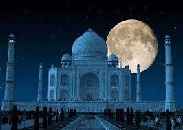 Taj mahal (at night).jpg