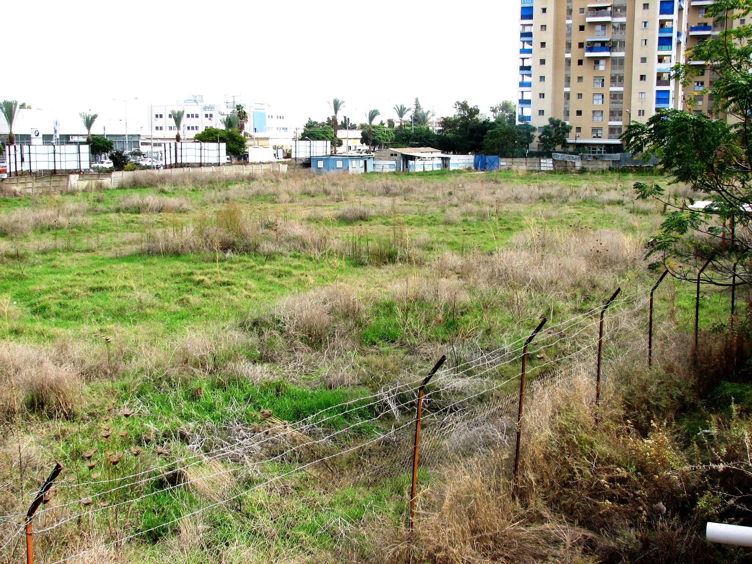 File:Tel Hanan – old football field.JPG - Wikimedia Commons