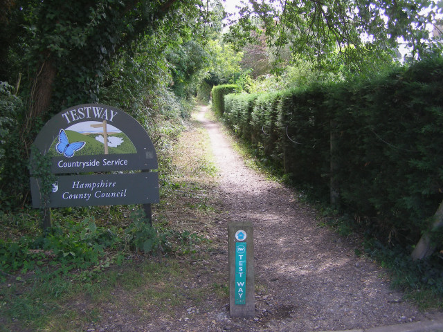 Test Way footpath heading south from Stockbridge - geograph.org.uk - 213569