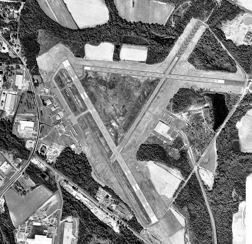 File:TiftonAirport-GA-2-16-99.jpg