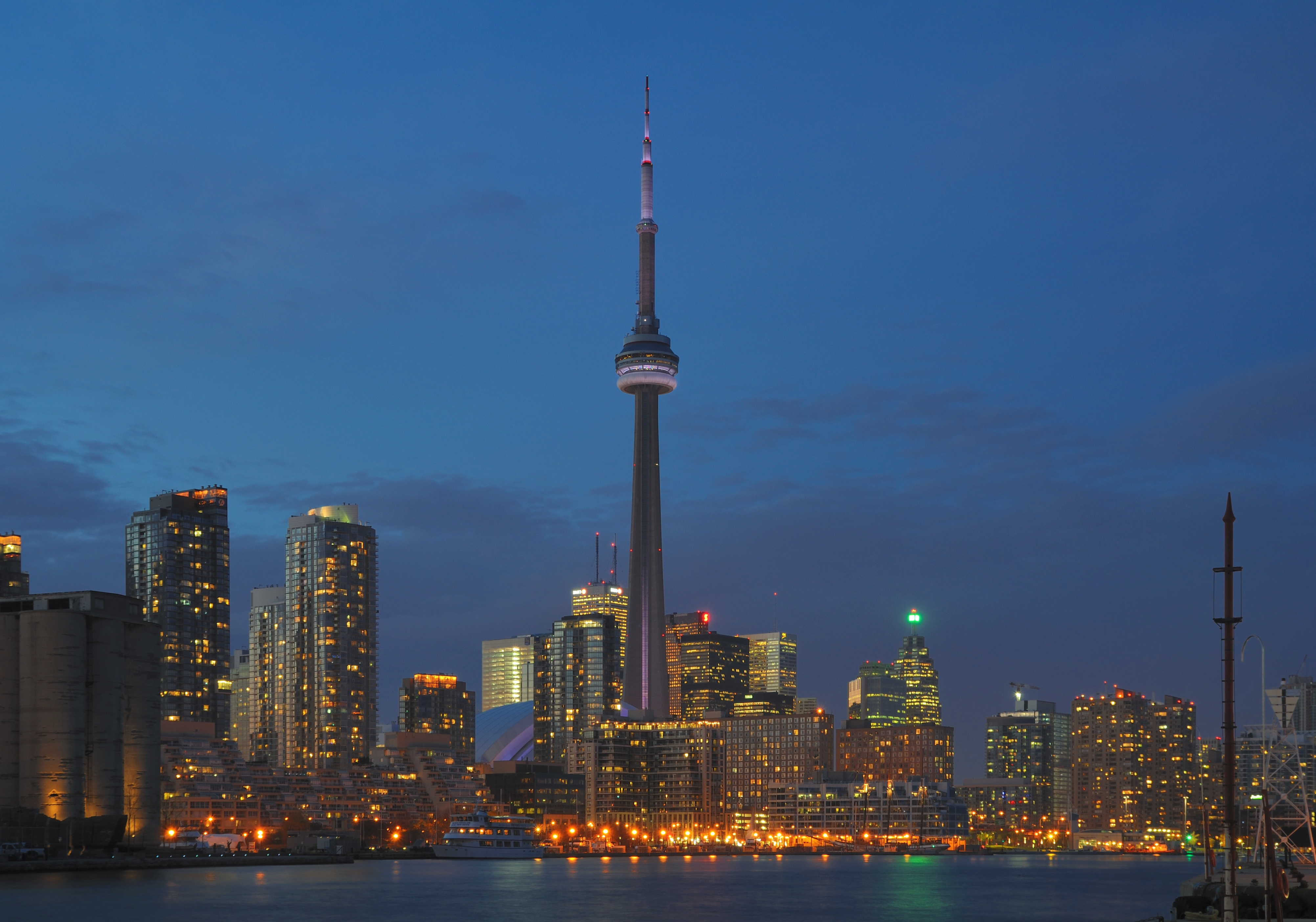 Toronto (ON) Canada  city images : Datei:Toronto ON Skyline bei Nacht – Wikipedia