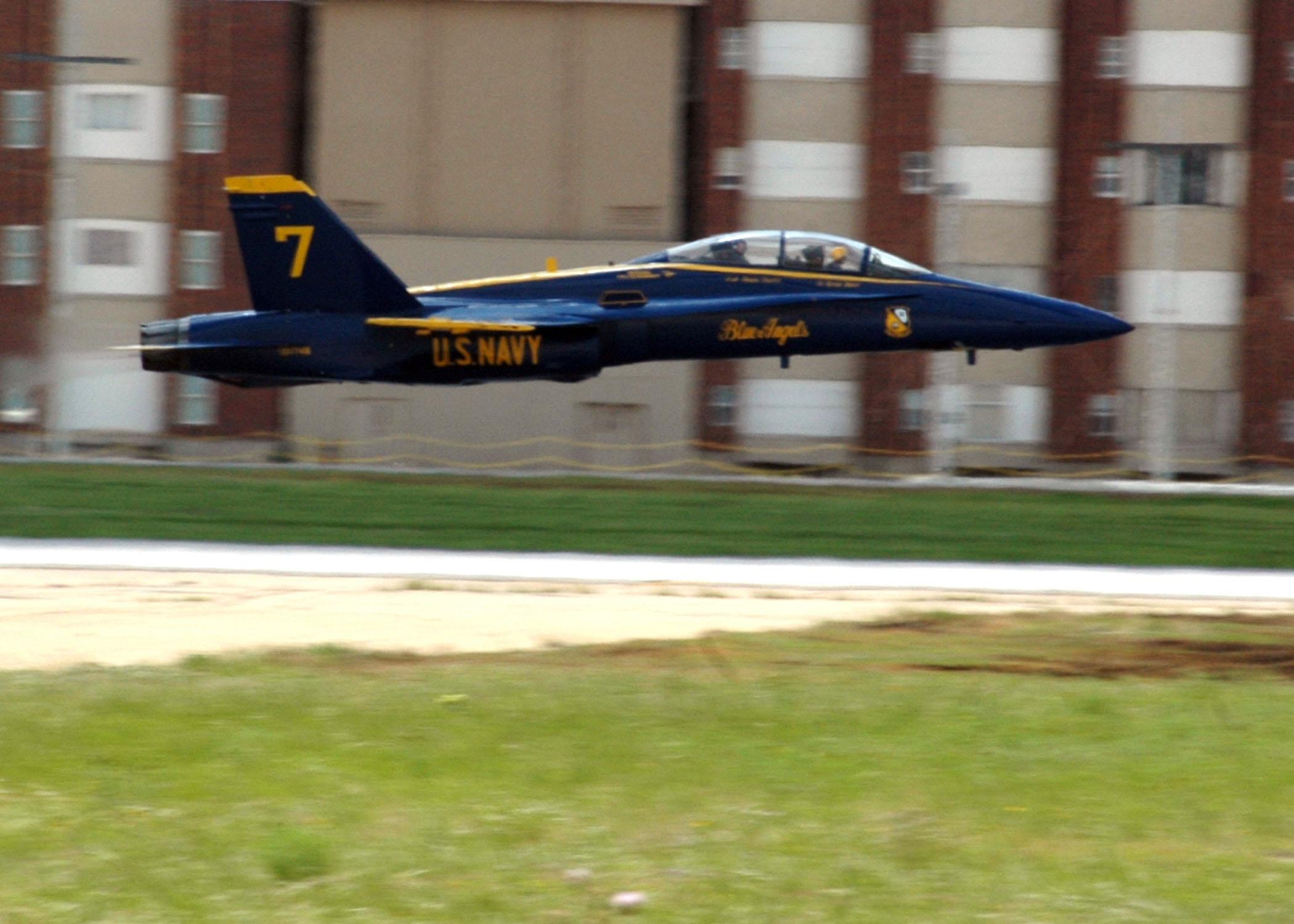 File:US Navy 060510-N-1328C-566 University of Oklahoma Head