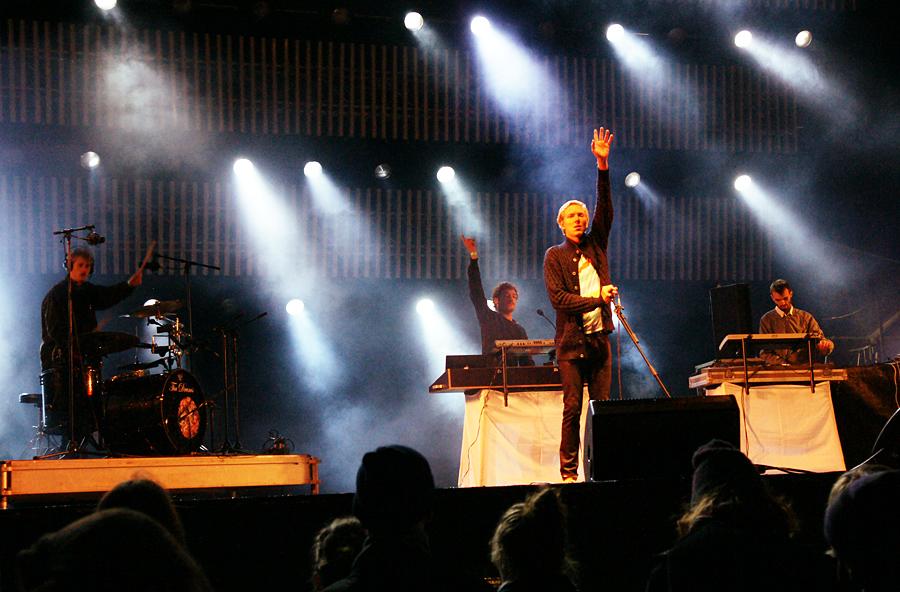 When Saints Go Machine, 2009