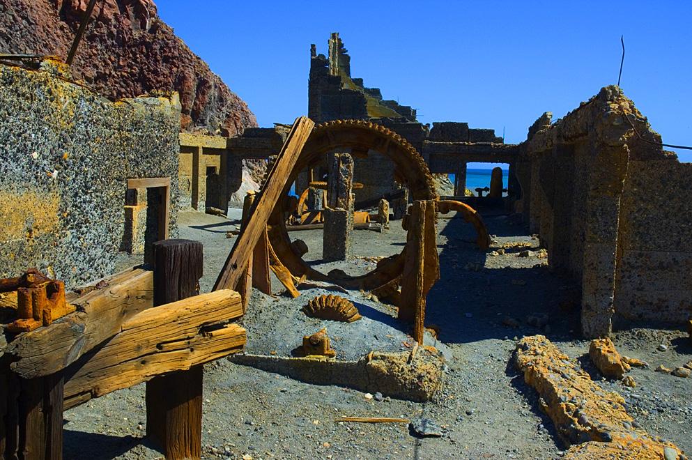 File white island mining n jpg wikimedia commons