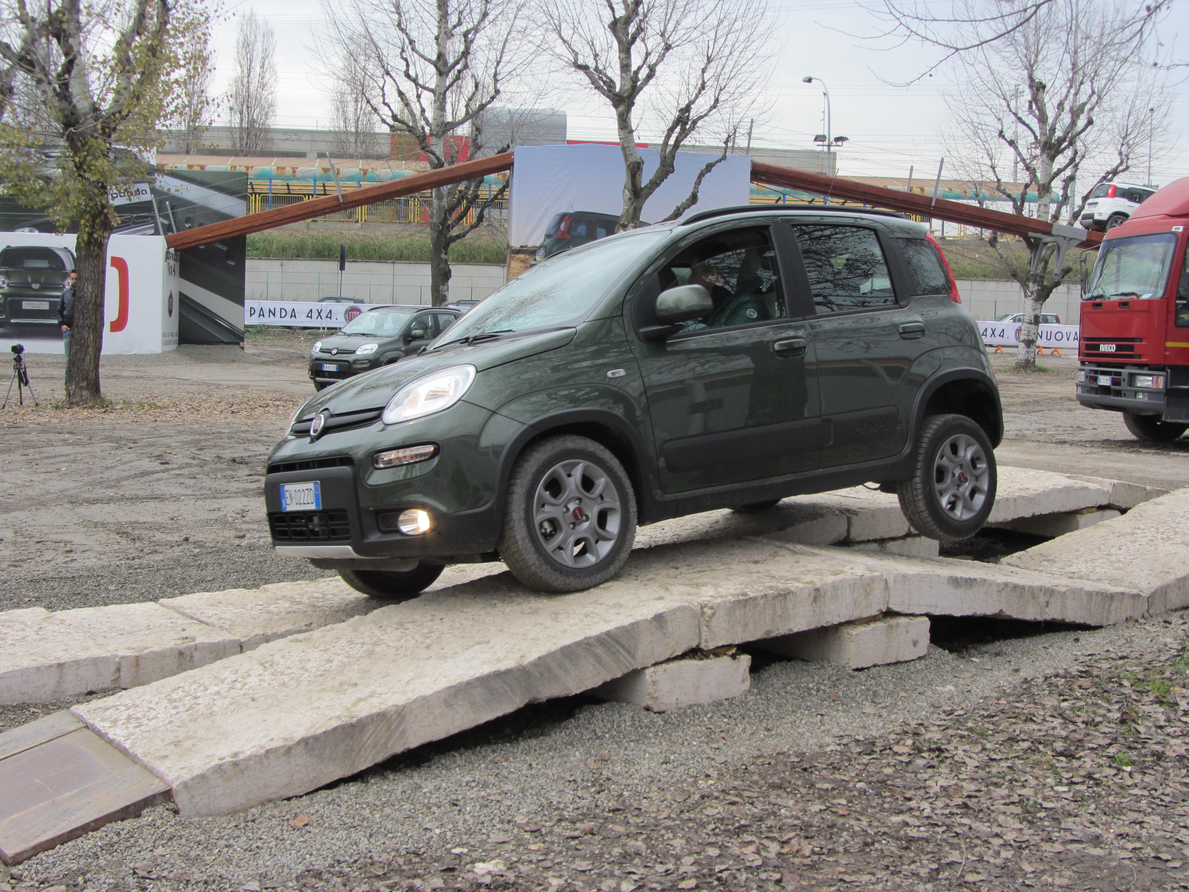 File 12 Italy Fiat Panda 4x4 Off Road Test Drive Motorshow Di Bologna 03 Jpg Wikimedia Commons