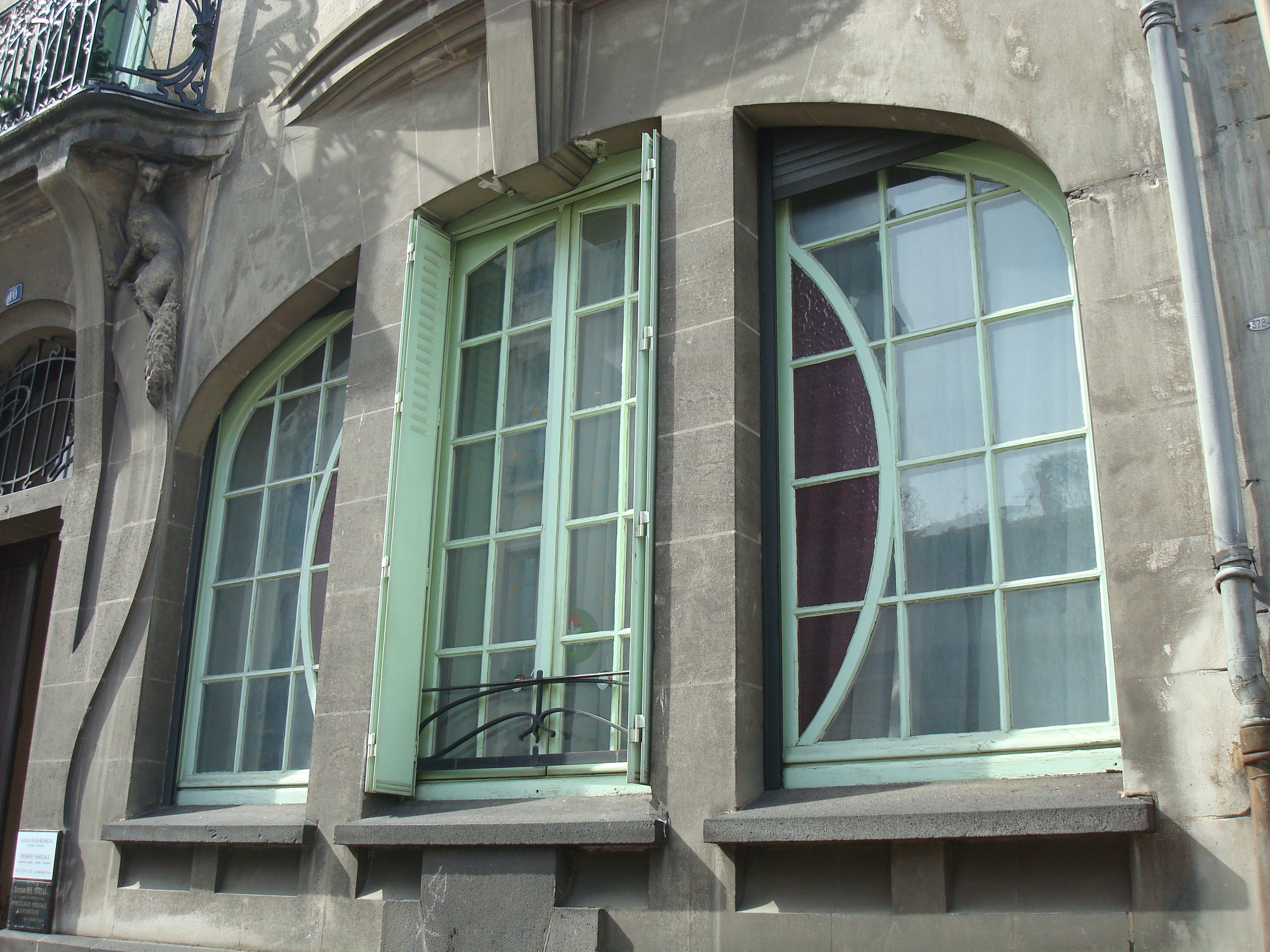 File 10 rue de ceyrat immeuble art d co fen tre for Art nouveau fenetre