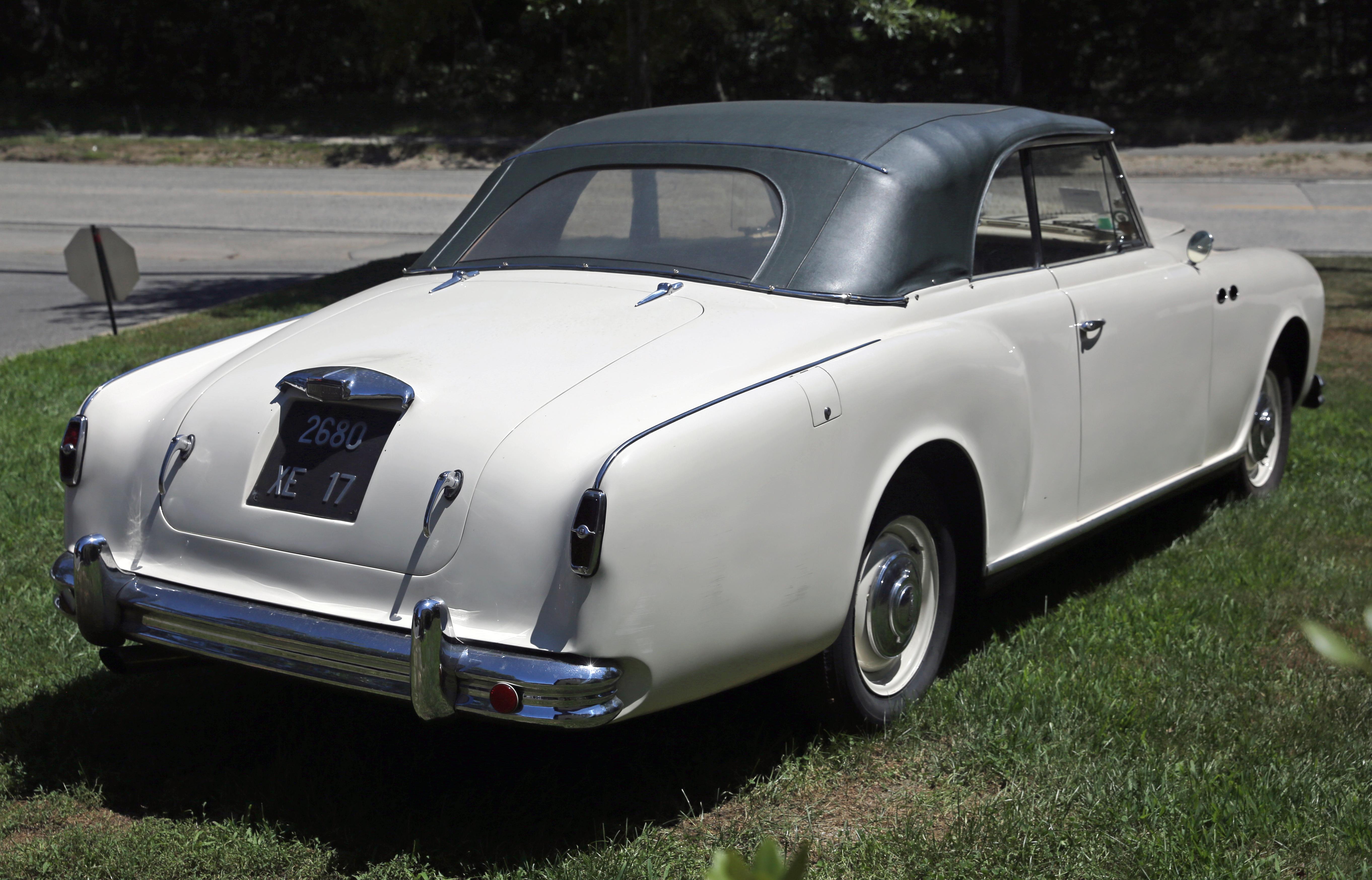File:1953 Jaguar Mark VII Convertible by Beutler, rear ...