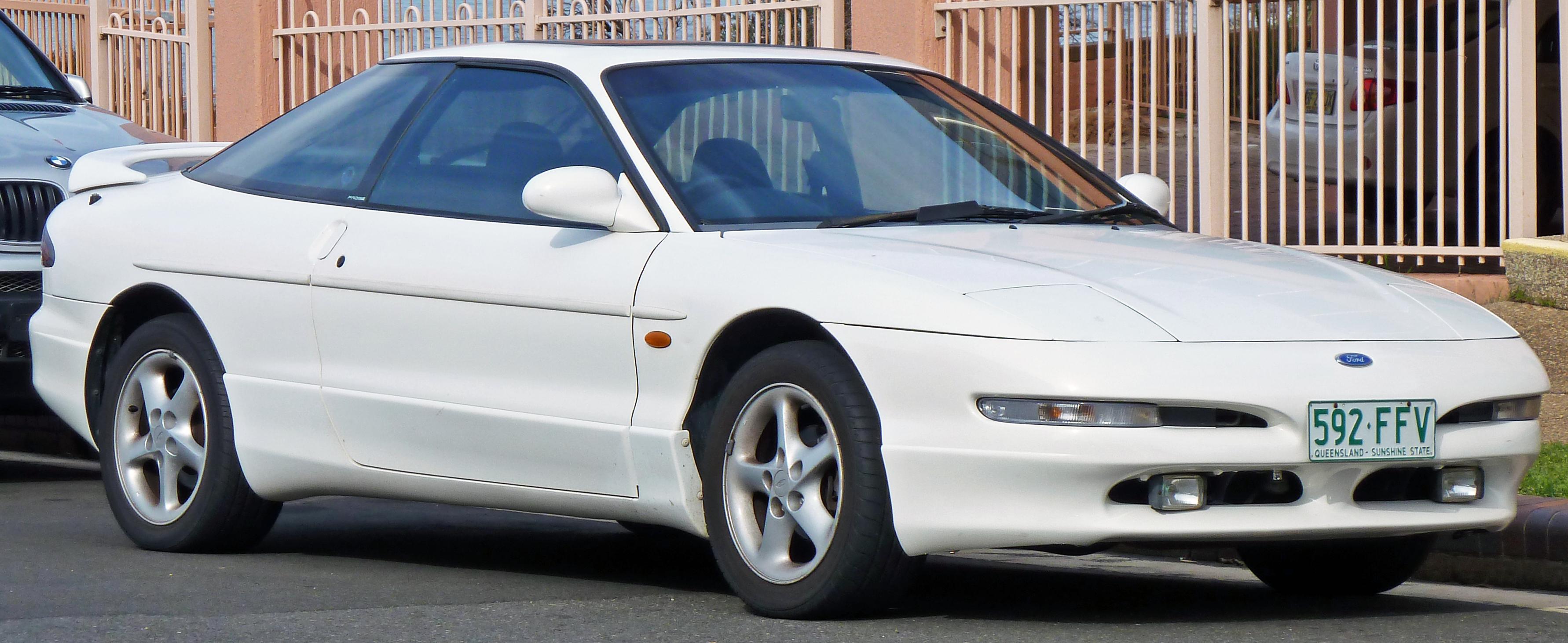 1994-1996_Ford_Probe_liftback_02.jpg