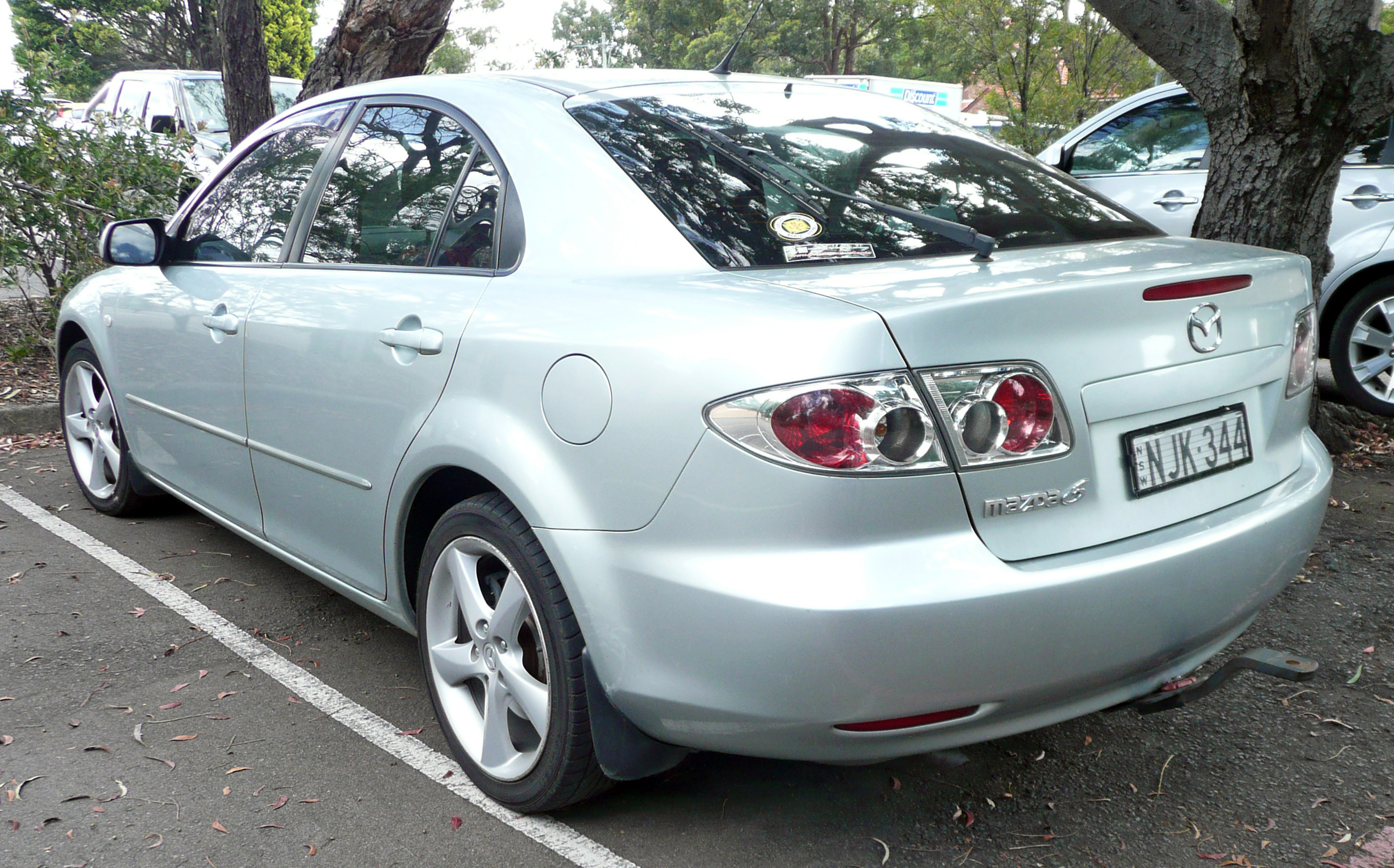File 2002 2005 Mazda 6 Gg Luxury Hatchback 01 Jpg Wikimedia Commons