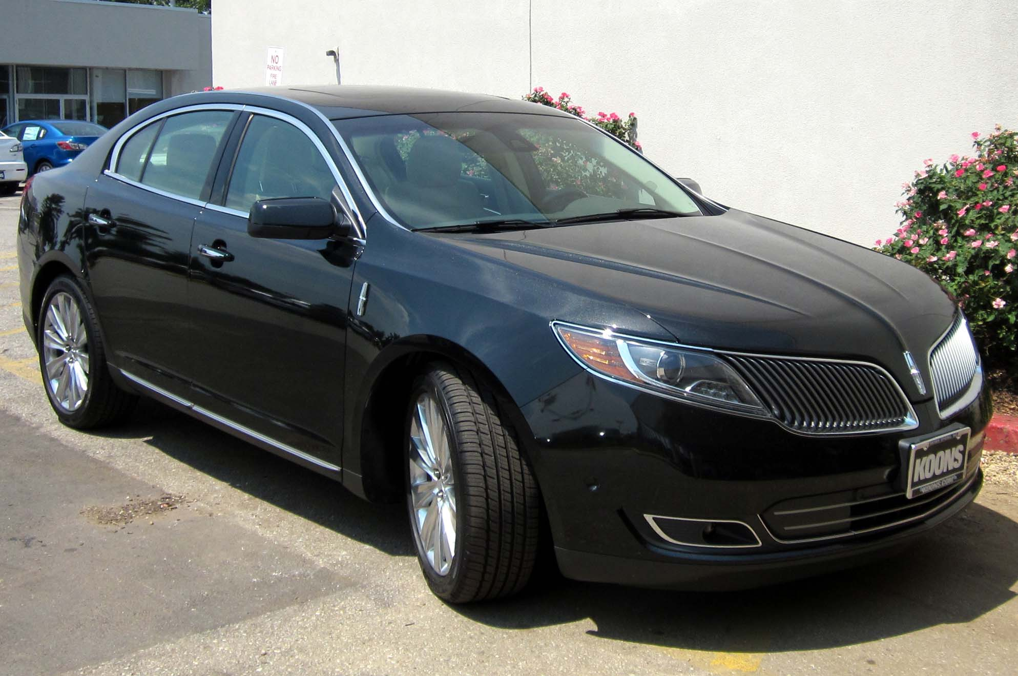 Description 2013 Lincoln MKS -- 07-11-2012.JPG