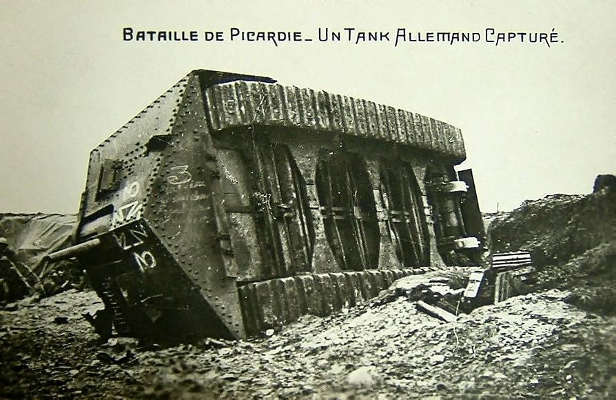 file a7v tank villers bretonneux wikimedia commons. Black Bedroom Furniture Sets. Home Design Ideas