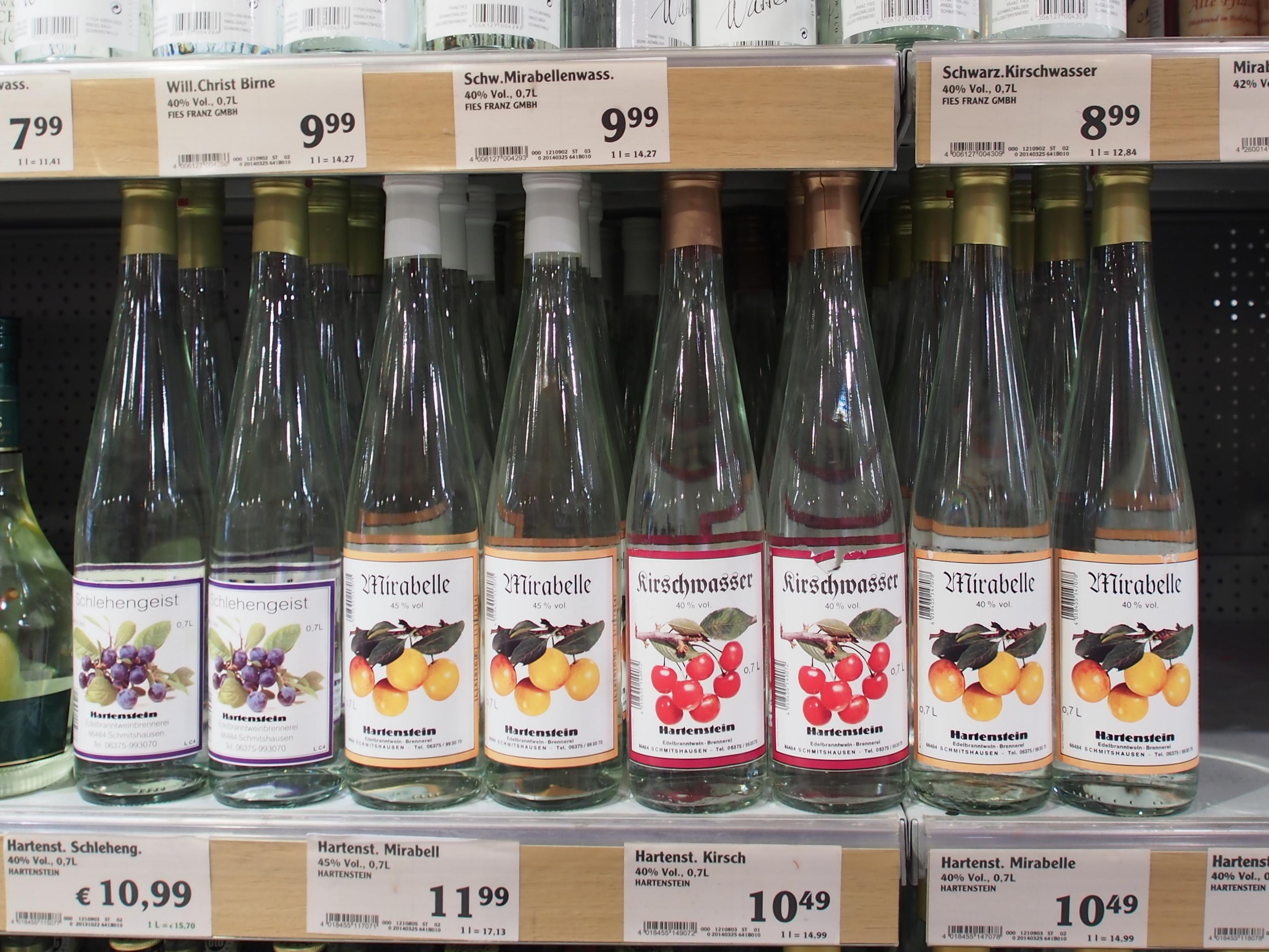 File:Alkoholische Getränke, Globus Saarbrücken, Bild 4.JPG ...