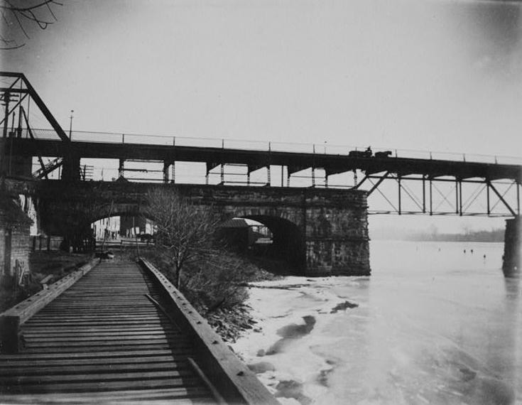 Aqueduct Bridge and abutment side view.JPG