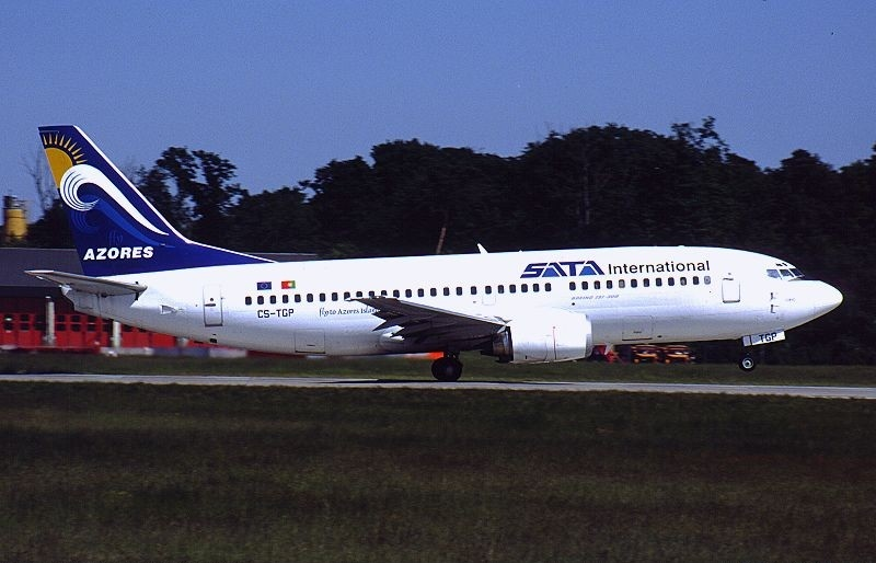 Boeing 737-3Q8, SATA International AN0083149