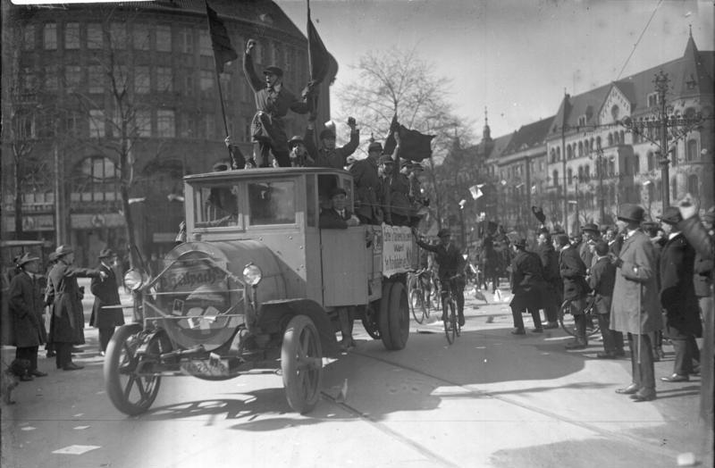 File:Bundesarchiv Bild 102-10312, Reichstagswahl, Propaganda-Auto des Reichsbanners.jpg