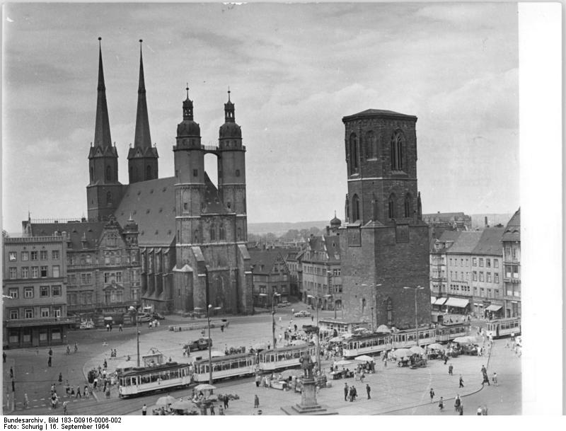 file bundesarchiv bild 183 g0916 0006 002 halle markt marienkirche roter turm jpg. Black Bedroom Furniture Sets. Home Design Ideas
