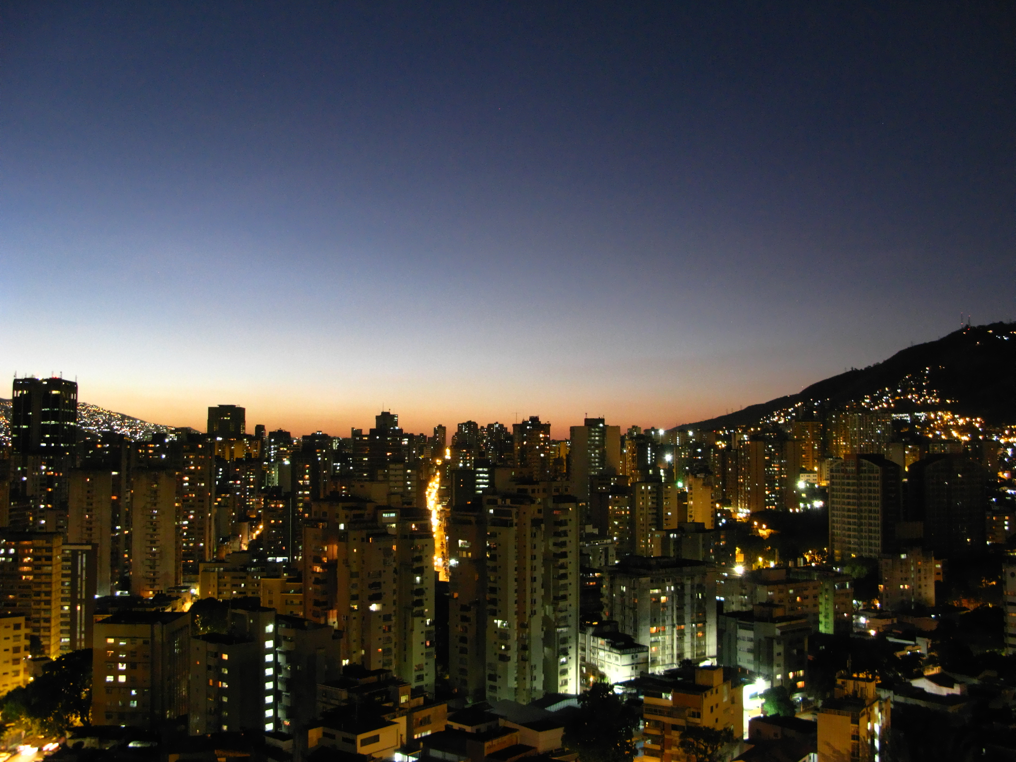 [Hình: Caracas_Venezuela.jpg]