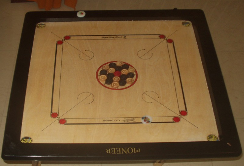 Carrom_board.jpg