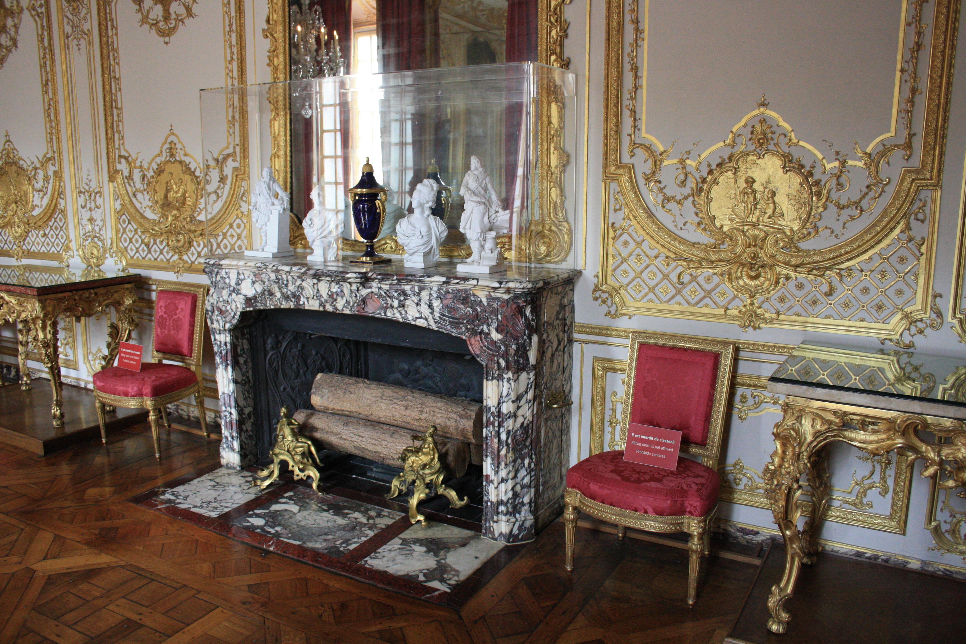 file chateau de versailles petit appartement du roi 057 jpg