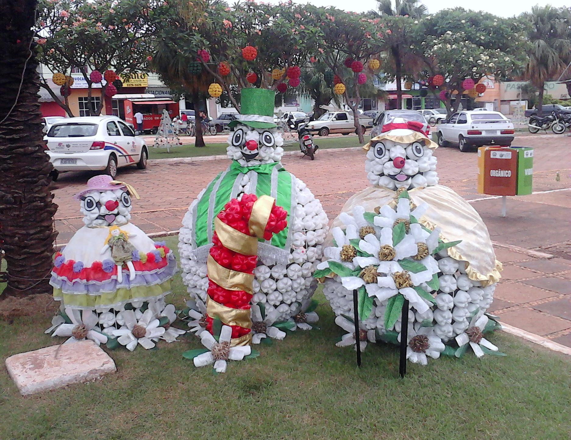 decoracao festa natalina : decoracao festa natalina:Ficheiro:Decoração Natalina em Tangará da Serra.jpg – Wikipédia