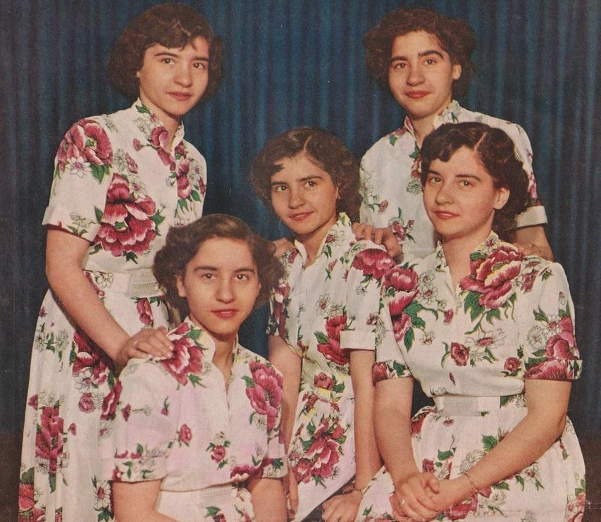 File:Dionne Quintuplets1952.jpg - Wikimedia Commons  File:Dionne Qui...