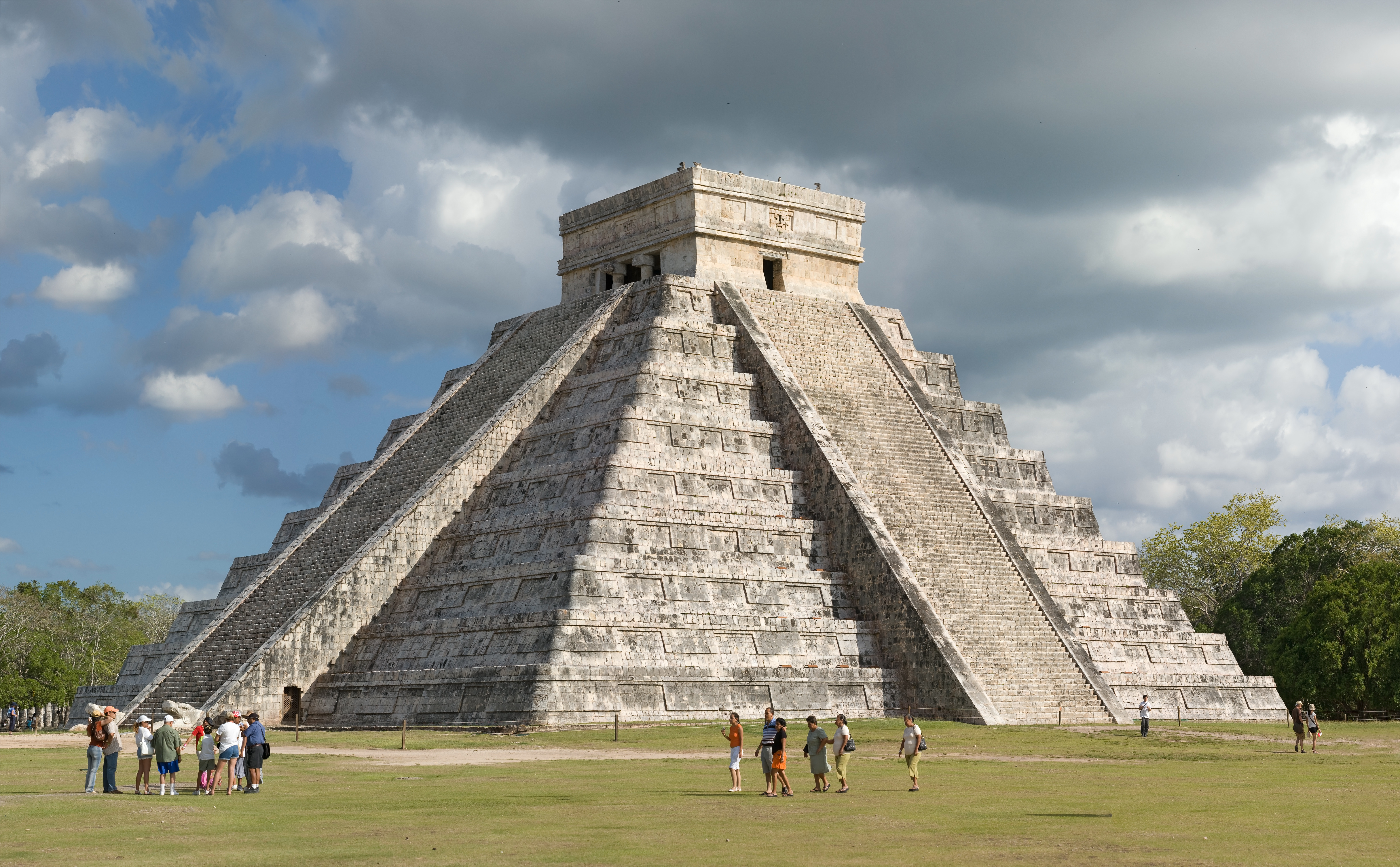 Virtual Chichen: El Castillo Reconstruction