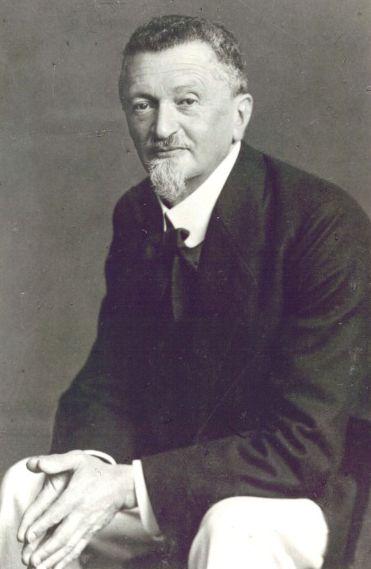 Felix Auerbach during his time at the Jena Institute of Theoretical Physics (Source: Professorengalerie der Phys.-Astro. Fak. der Universität Jena)