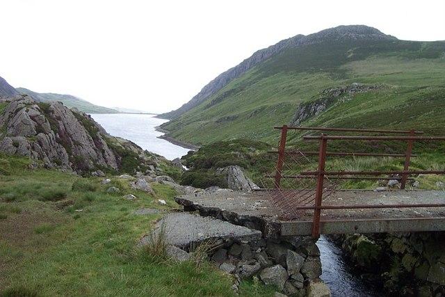 Footbridge near the Head of Llyn Cowlyd - geograph.org.uk - 199352