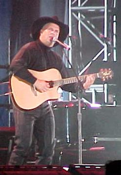 Garth Brooks at the Millenium March on Washing...