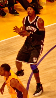 Gerald Wallace with the Nets playing the Lakers - Gerald Wallace