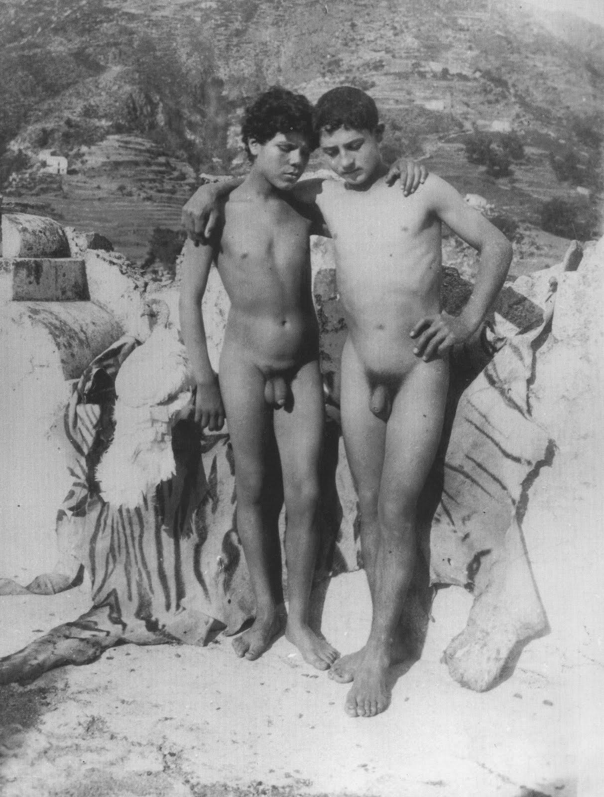 escort bois maschi nudi gay