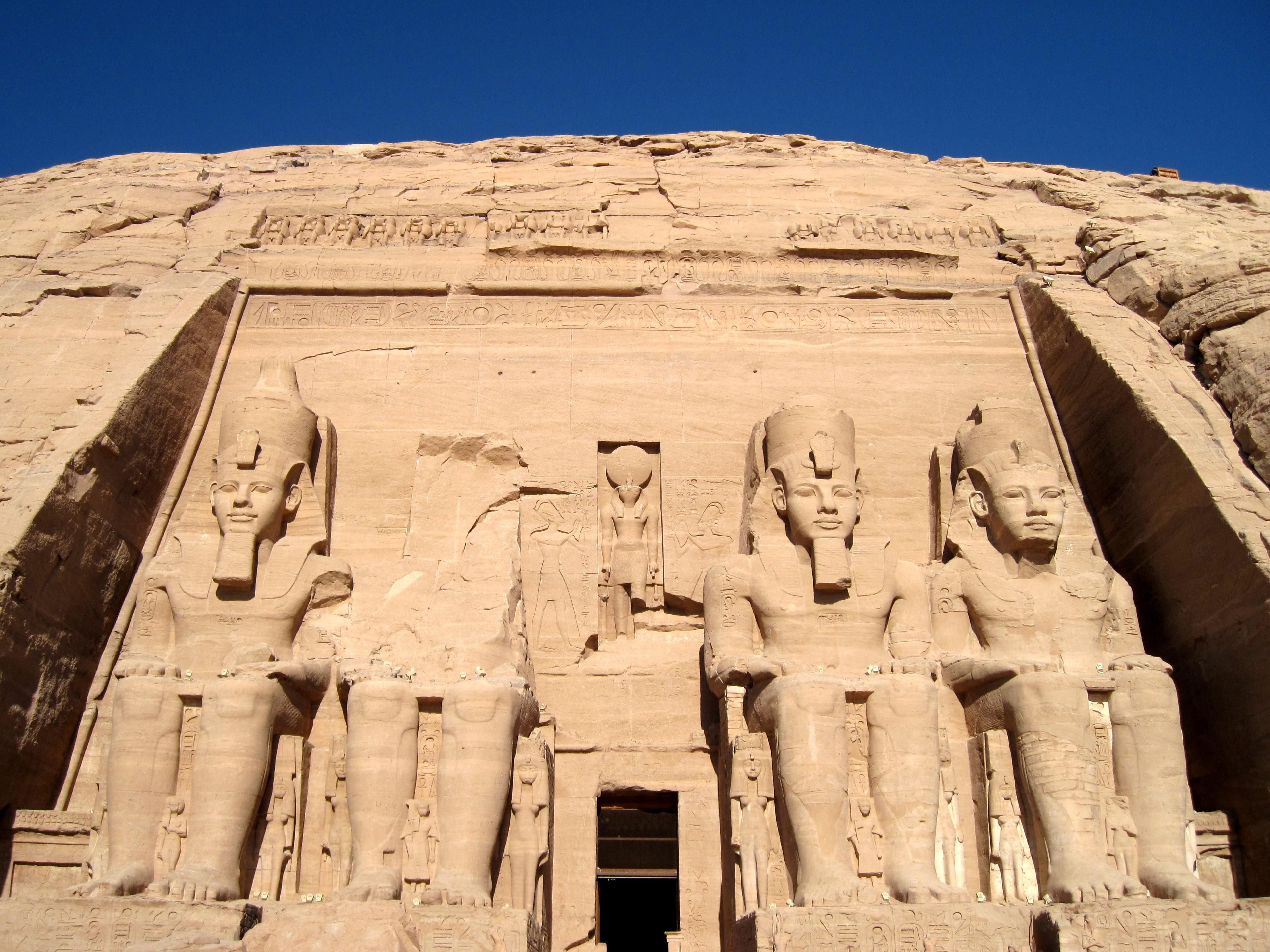 File:Großer Tempel (Abu Simbel) 07.jpg - Wikimedia Commons