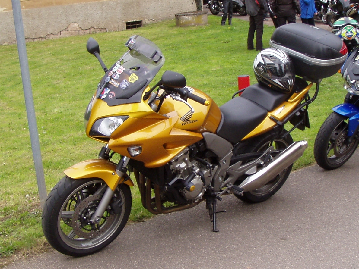 honda cb 100 with Honda Cbf 1000 on CG 125 Fan 2005 likewise E8a3b881d96404a1 furthermore Image 1966620 together with Honda Cb Twister 2018 Tem Preco Inicial De R 14 100 additionally Watch.