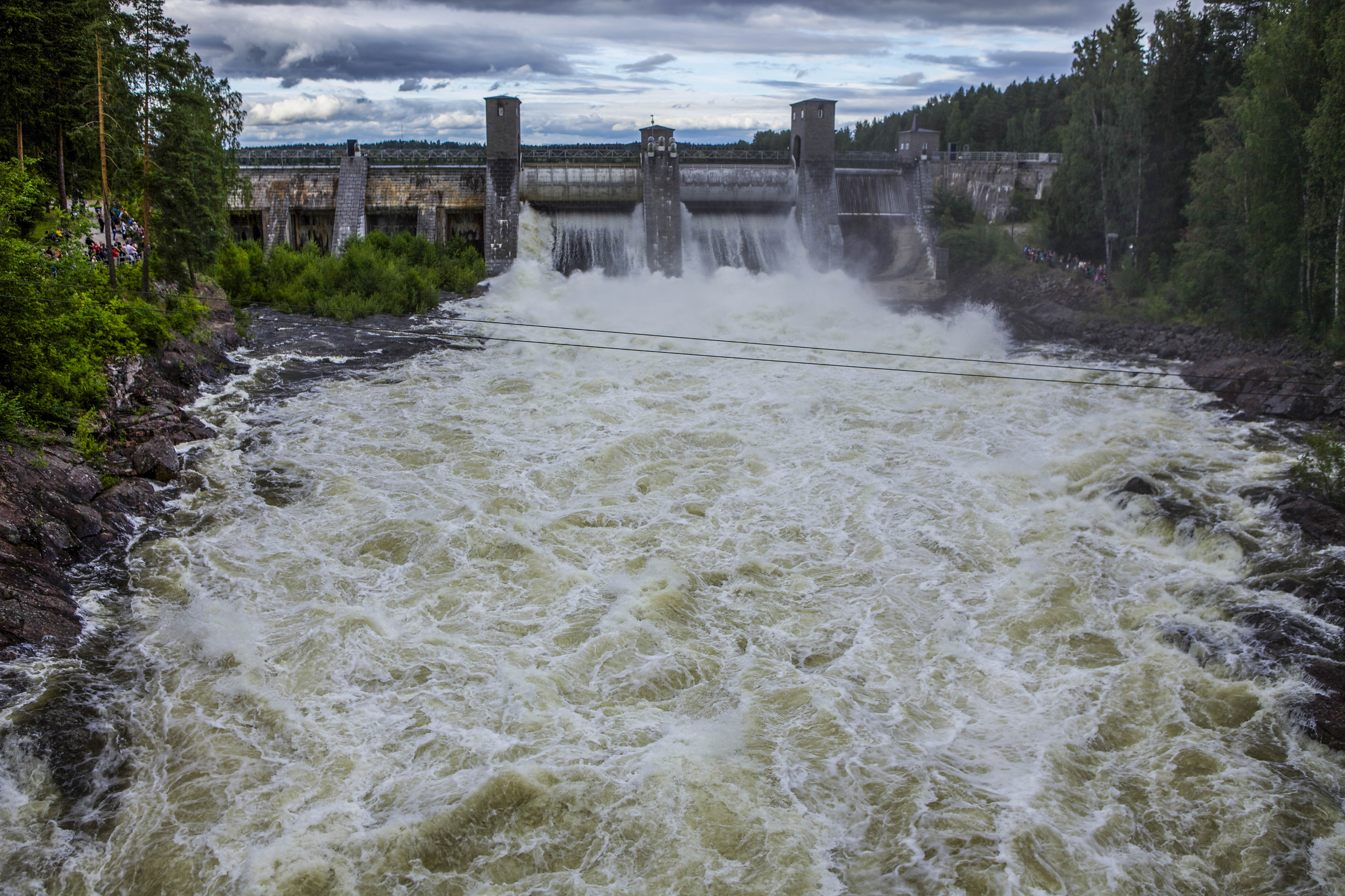Imatra waterfall: beauty on a schedule