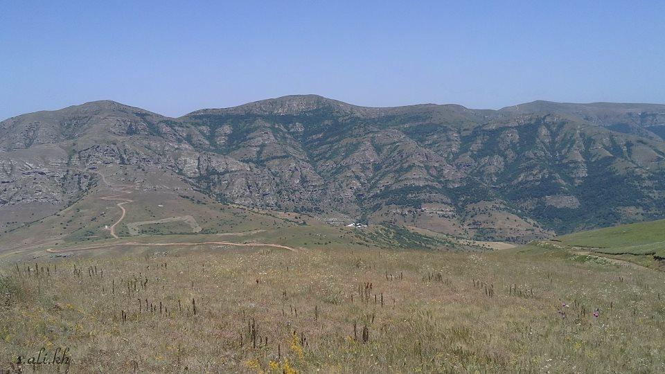کوههای مجاور خان کندی