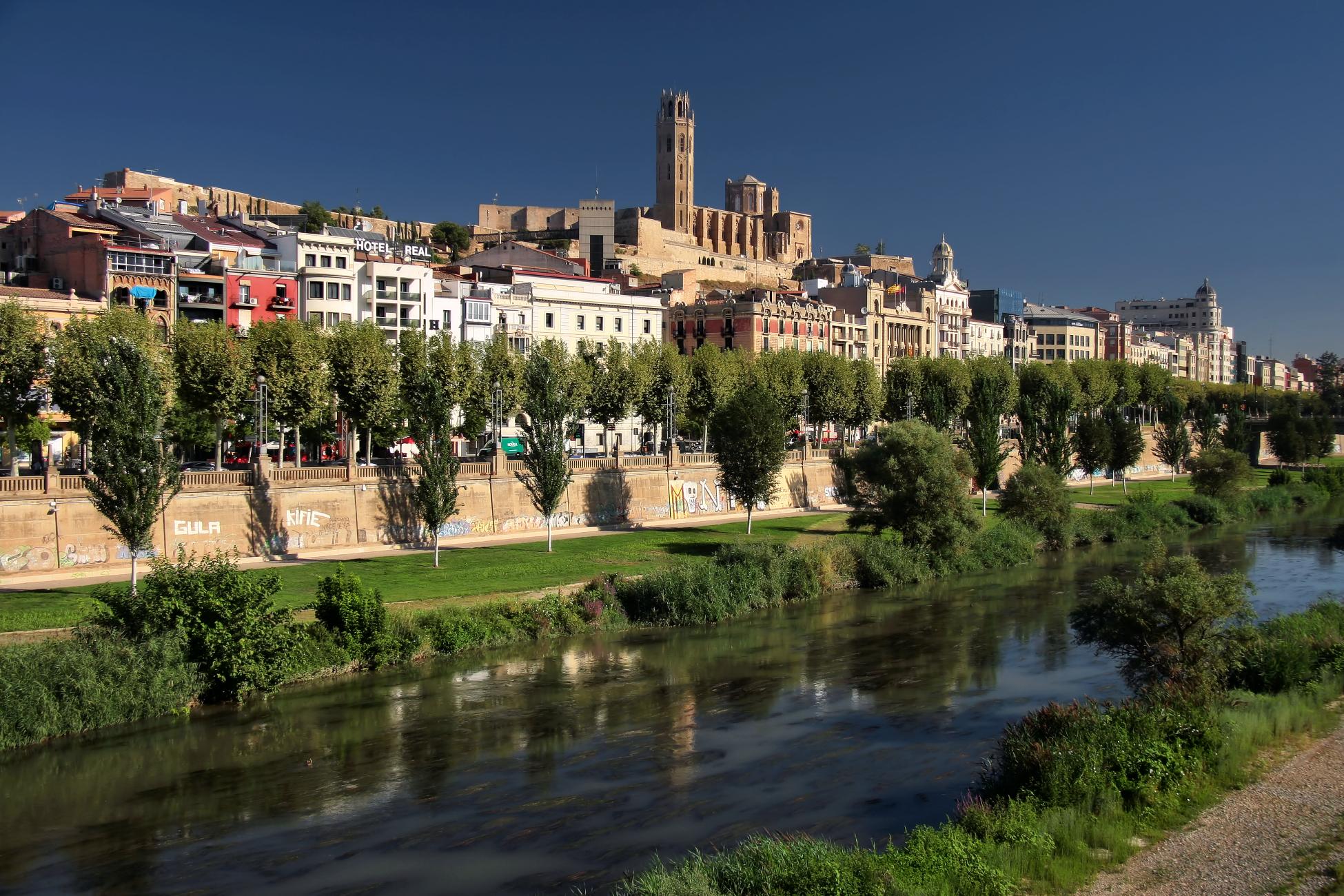 File:Lérida rio Segre.jpg - Wikimedia Commons