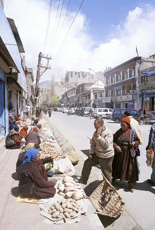 Market in Leh