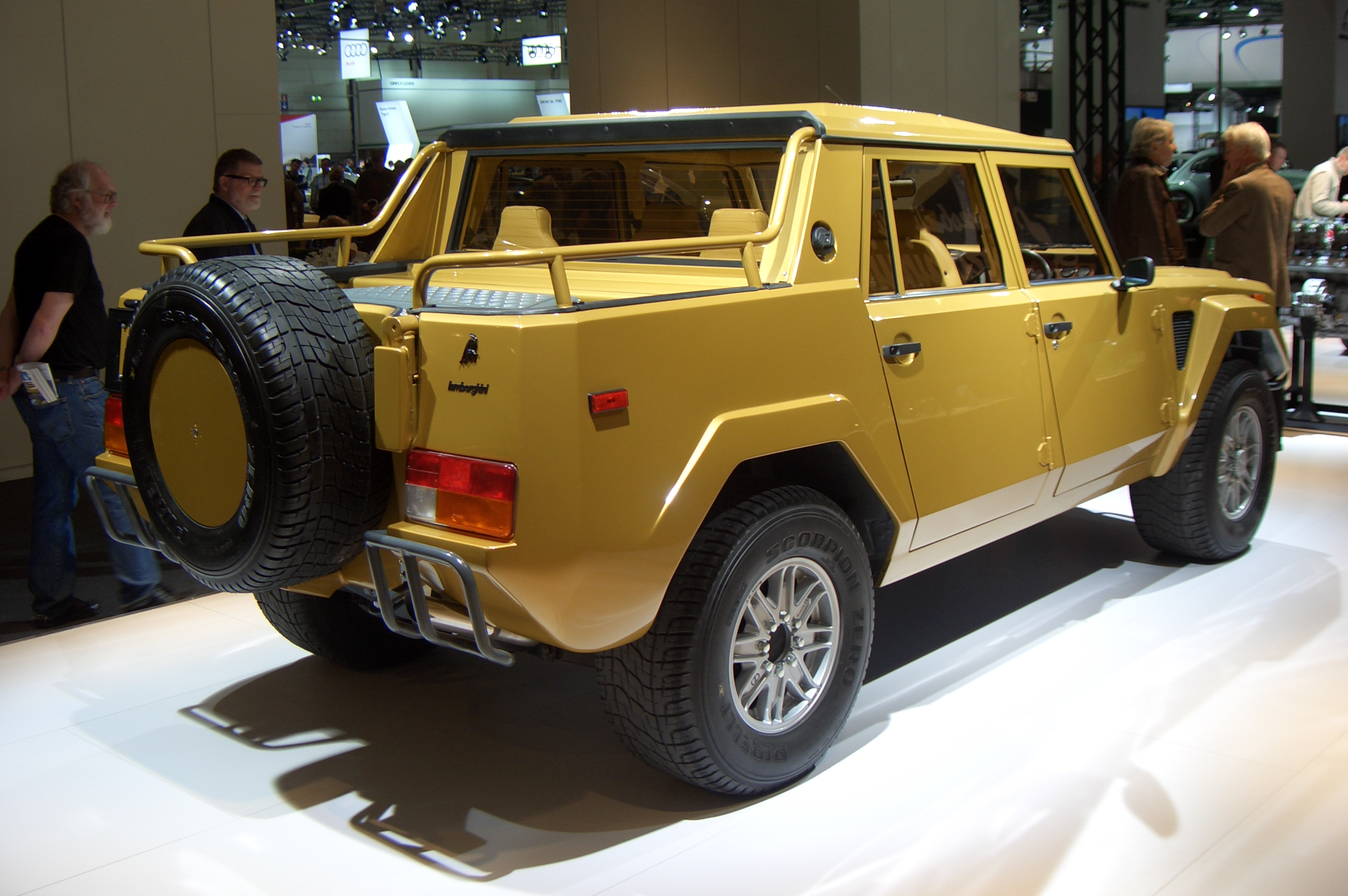 File Lamborghini Lm002 Gen1 1986 1992 Backright 2012 03 22 A Jpg Wikimedia Commons