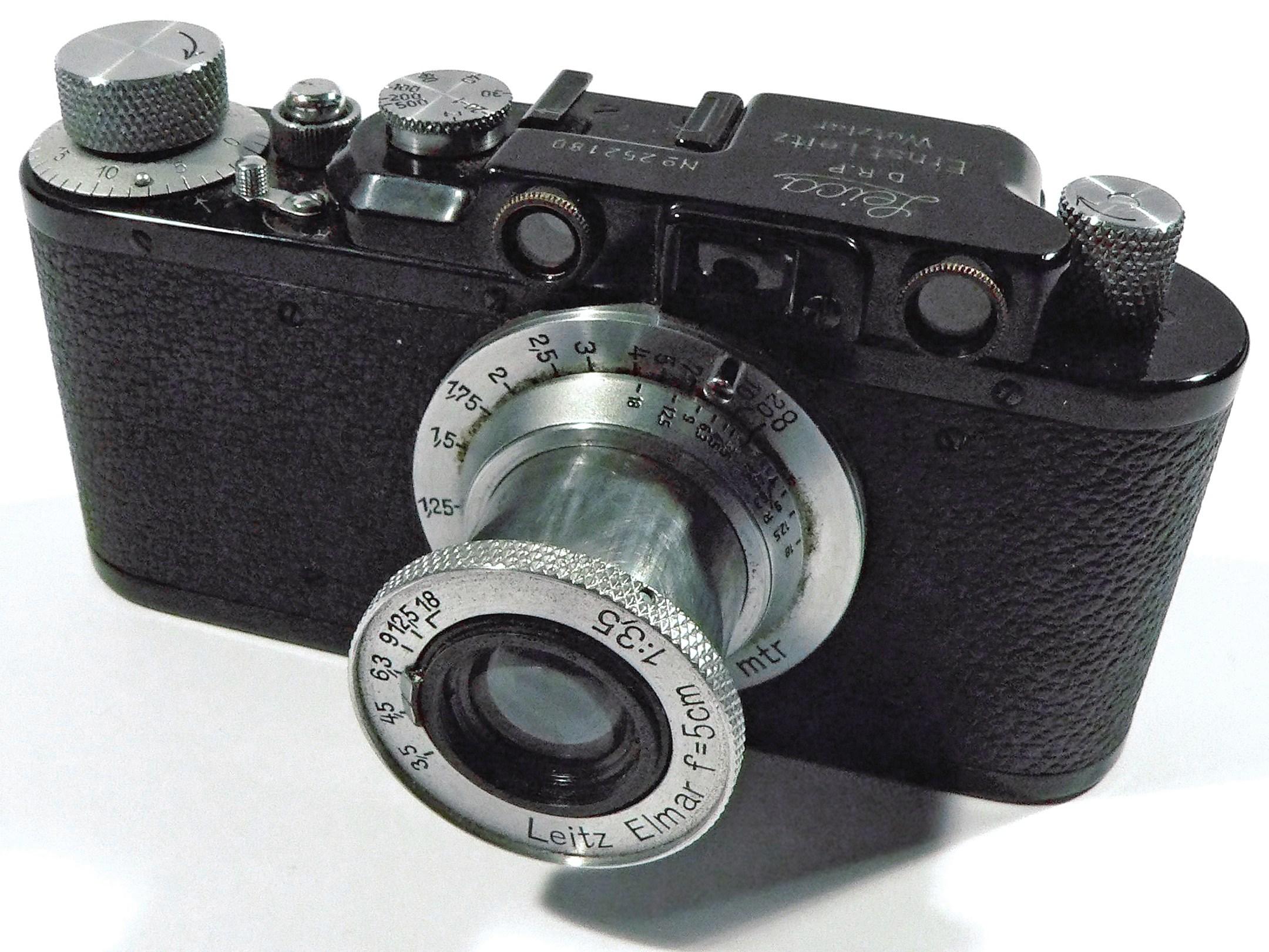 Leica-II-Camera-1932 cropped.jpg