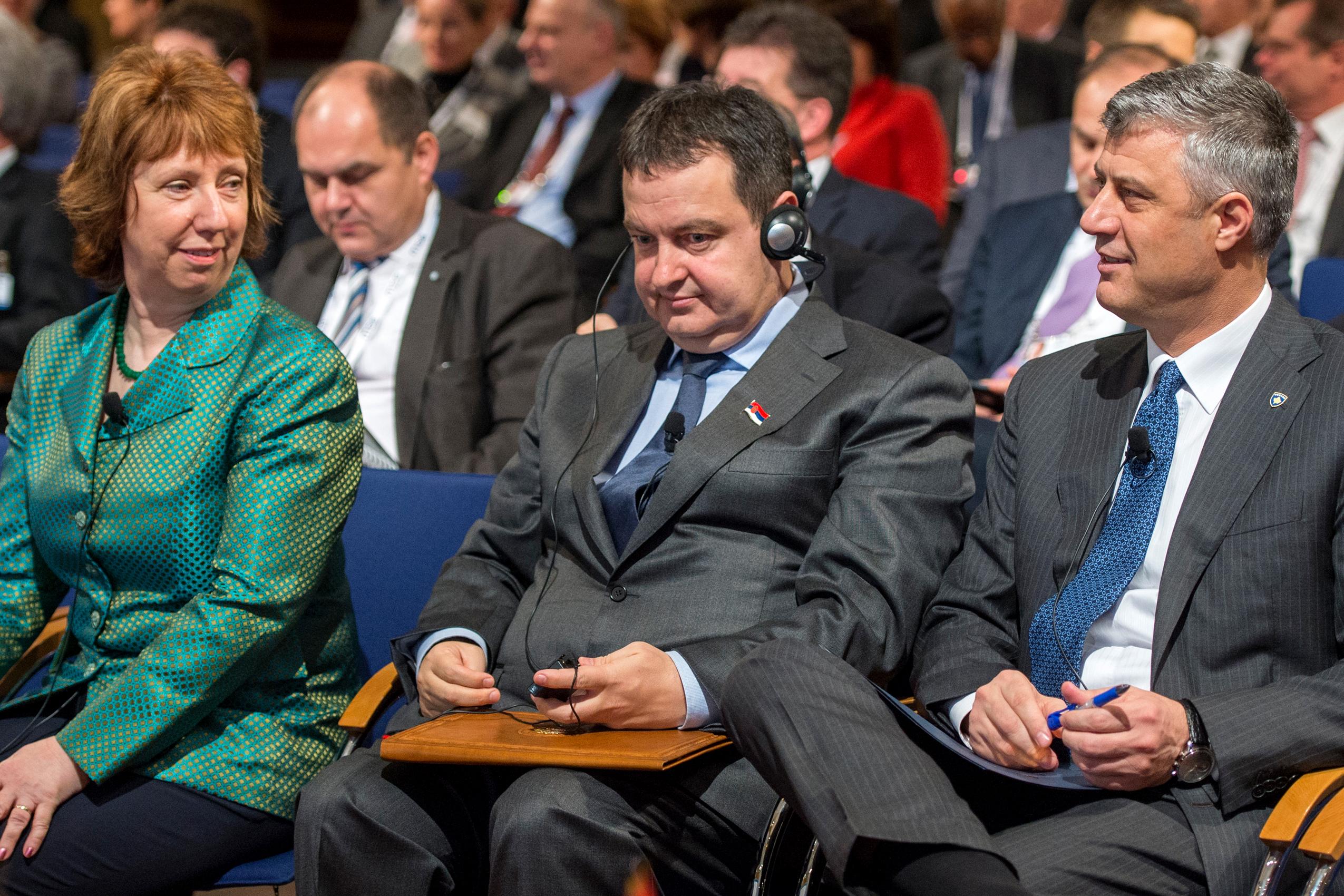 Hashim Thaci Biography Hashim Thaçi Bei Der 50