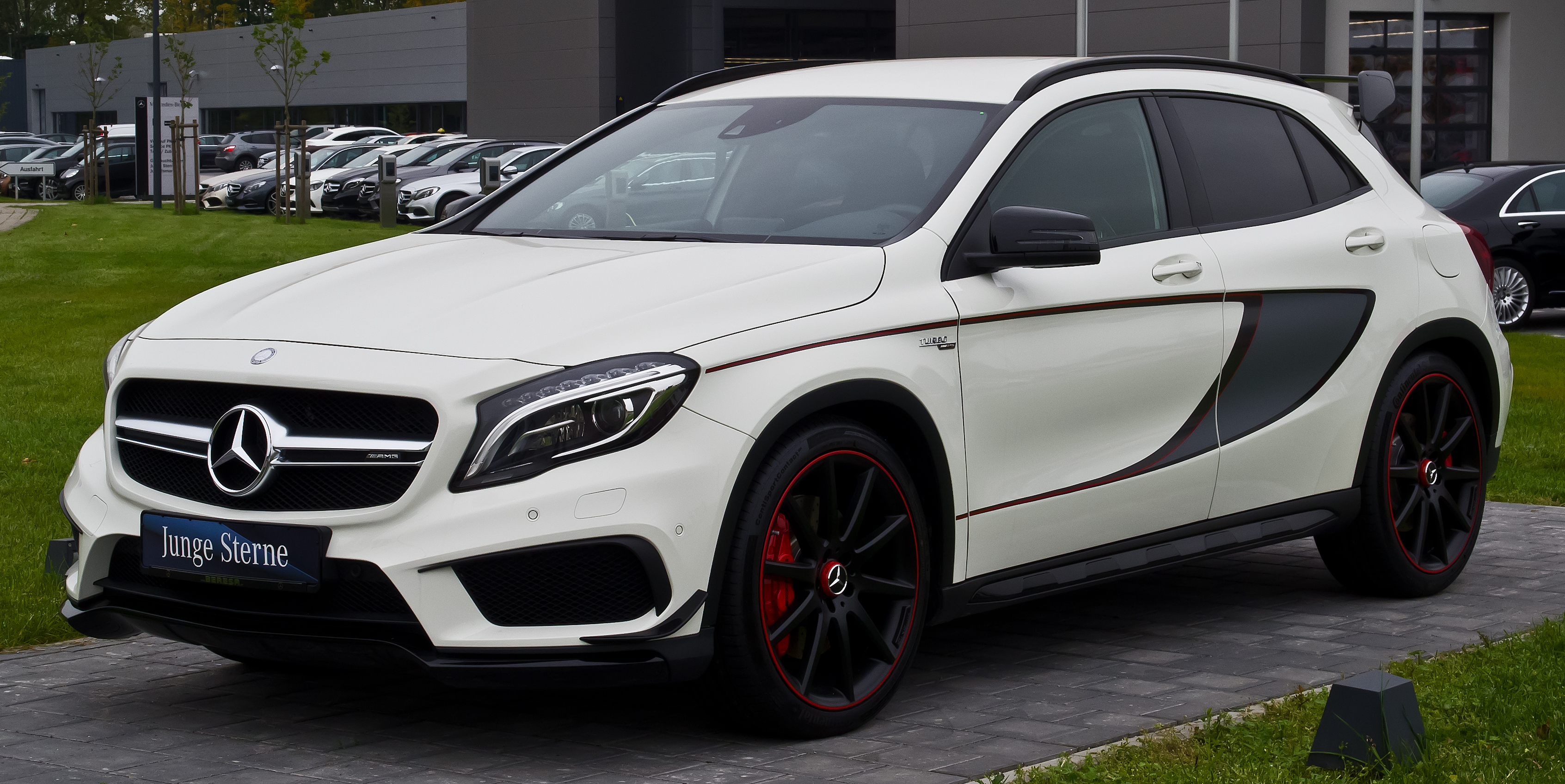 file mercedes benz gla 45 amg 4matic edition 1 x 156 frontansicht 24 oktober 2015 m nster. Black Bedroom Furniture Sets. Home Design Ideas