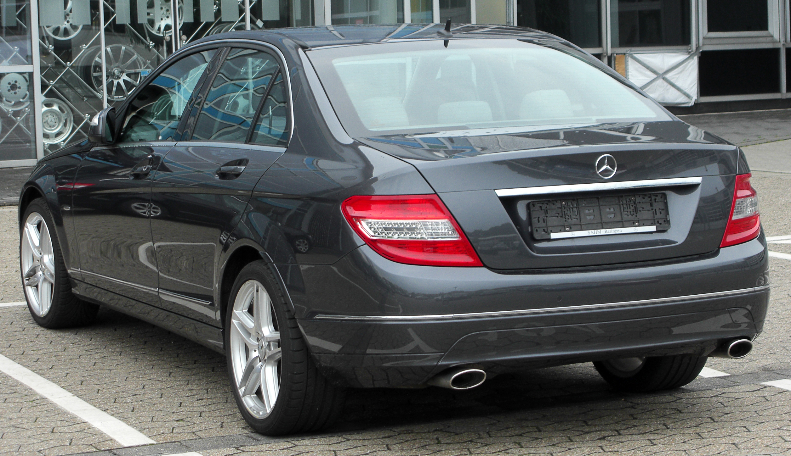 file mercedes c 320 cdi avantgarde w204 rear wikimedia commons. Black Bedroom Furniture Sets. Home Design Ideas