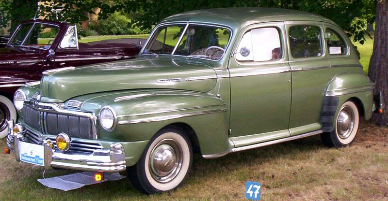File mercury town sedan 1947 wikimedia commons for 1946 mercury 4 door sedan