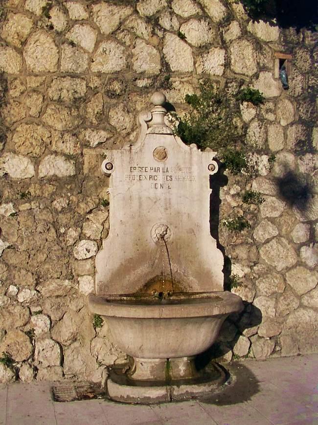 NIKAIA-cimiezMB Fontaine.jpg