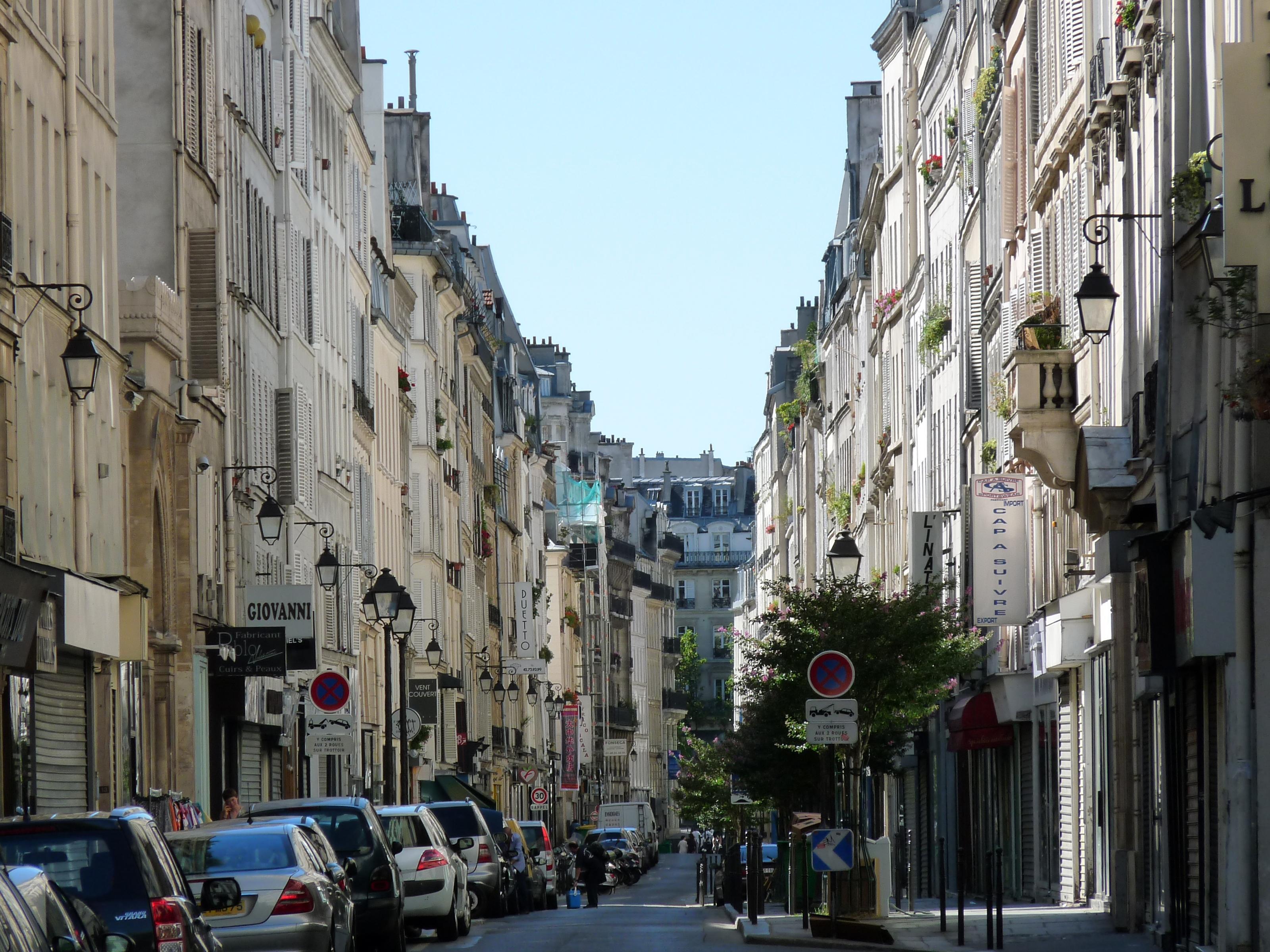 File paris rue notre dame de wikimedia commons for Domon in lachine