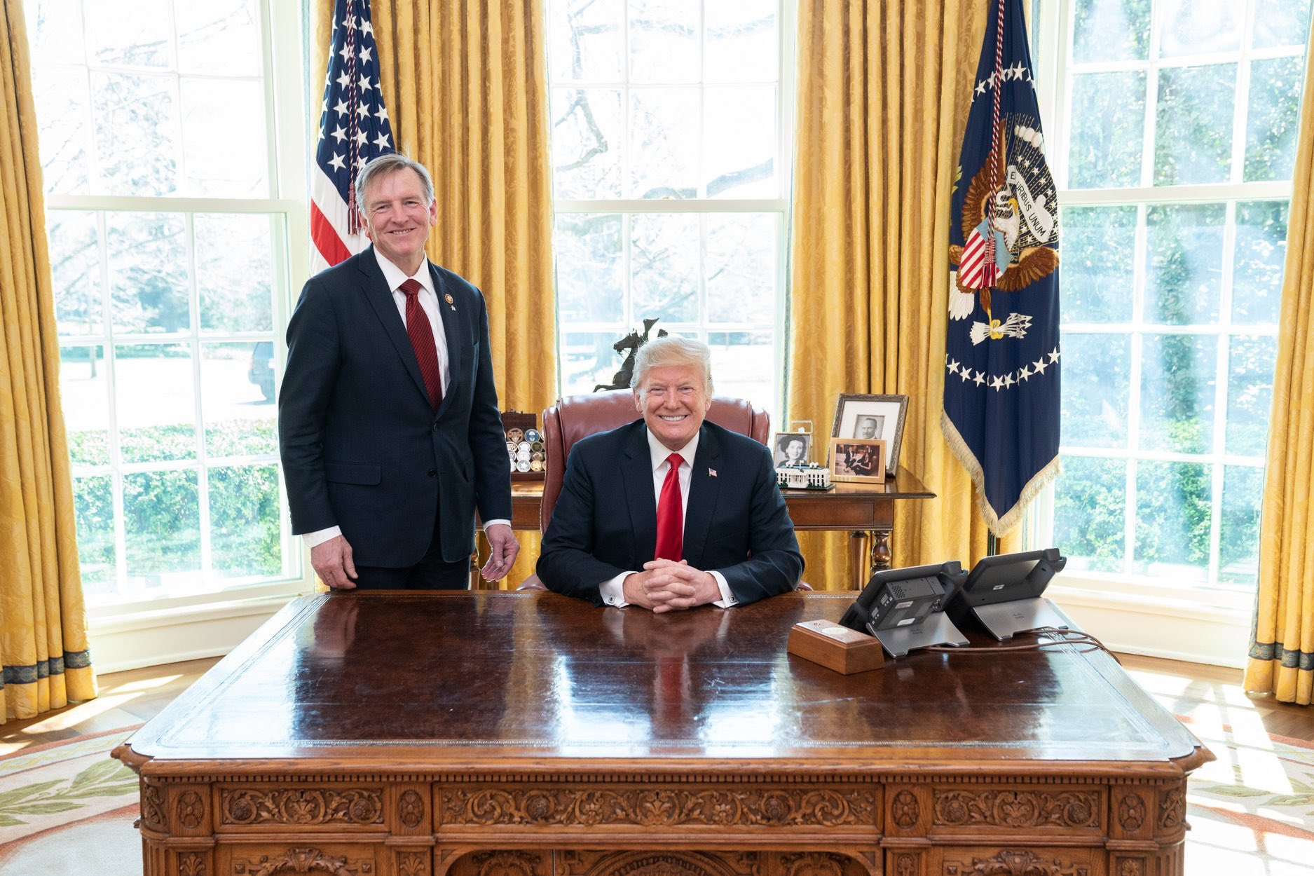 File:Paul Gosar with Donald Trump.jpg - Wikimedia Commons