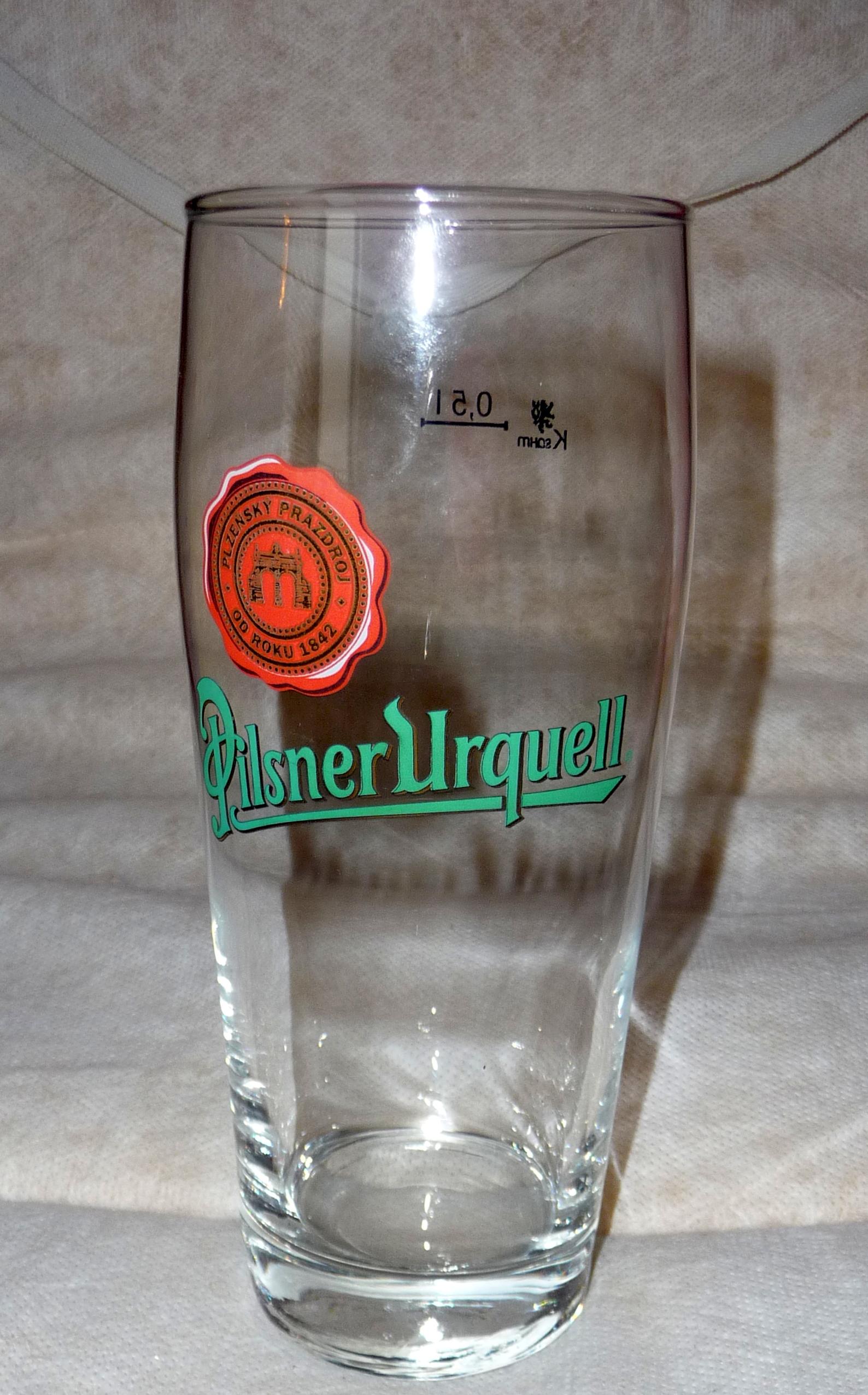 File:Pilsner Urquell beer glass (1) jpg - Wikimedia Commons